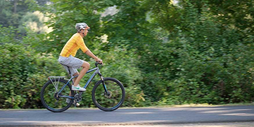 Pausen aktiv gestalten, z. B. durch Radfahren