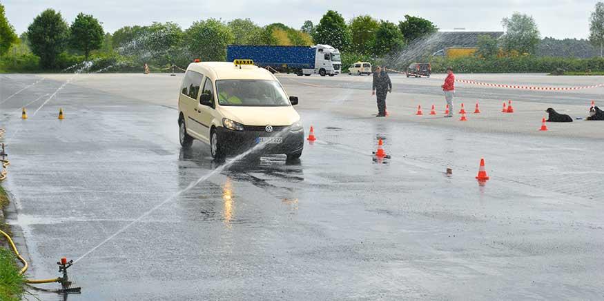 Taxi beim Fahrsicherheitstraining