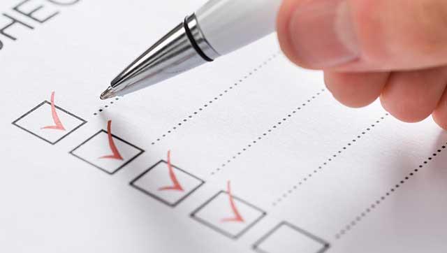 Häkchen auf Checkliste
