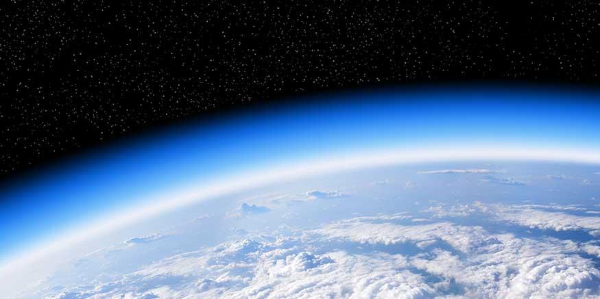 Blick vom All auf die Erde